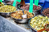 Assortment of olives on local market,Tel Aviv,Israel — Stok fotoğraf
