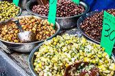Assortment of olives on local market,Tel Aviv,Israel — Stock fotografie