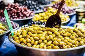 Assortment of olives on local market,Tel Aviv,Israel — Photo