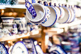 Colorful ceramics in traditonal polish market. — Foto de Stock