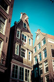 Traditional architecture in Amsterdam, the Netherlands. — Stok fotoğraf