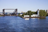 Bridges of Cleveland and the old Cost Guard base — Stockfoto