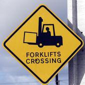 Forklift geçiş — Stok fotoğraf