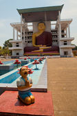 Weherahena buddhistischer tempel in matara, sri lanka. — Stockfoto