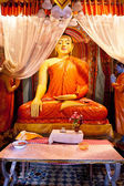 Posąg buddy rozciągacz — Zdjęcie stockowe