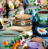 Variety of colorful ceramic pots in Old Village, San Diego — Stock Photo