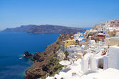 Beautiful panoramic view in Oia village on island of Santorini — Stock Photo