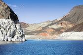 Jezioro w górach — Zdjęcie stockowe