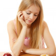 Diet girl with cake or apple — Stock Photo