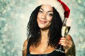 Krásné mulat žena se šampaňským — Stock fotografie