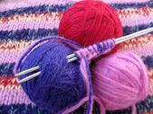 Mãos de tricô — Foto Stock
