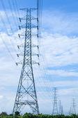 Torres de alta tensión. — Foto de Stock