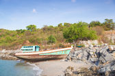 Old fishing boat on the beach. — Stock Photo