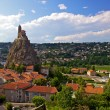 Ancient Chapelle Saint Michel de Aiguilhe standing at a very steep volcanic needle (Le Puy en Velay, France) — Stock fotografie #18270047