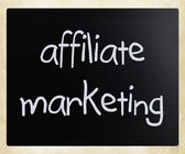 """Affiliate marketing"" handwritten with white chalk on a blackboa — Stock Photo"