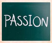 """""""passion"""" handskrivna med vit krita på en svart tavla — Stockfoto"""