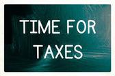 Tempo para o conceito de impostos — Fotografia Stock