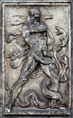 Relief panel in Dresden, Hercules fight snake — Foto Stock