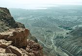 马萨达堡垒从死海的视图 — 图库照片