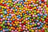 Malé barevné kuličky. — Stockfoto