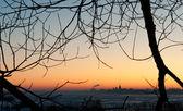 Severodvinsk medvedsky klooster in zonsondergang in de winter — Stockfoto