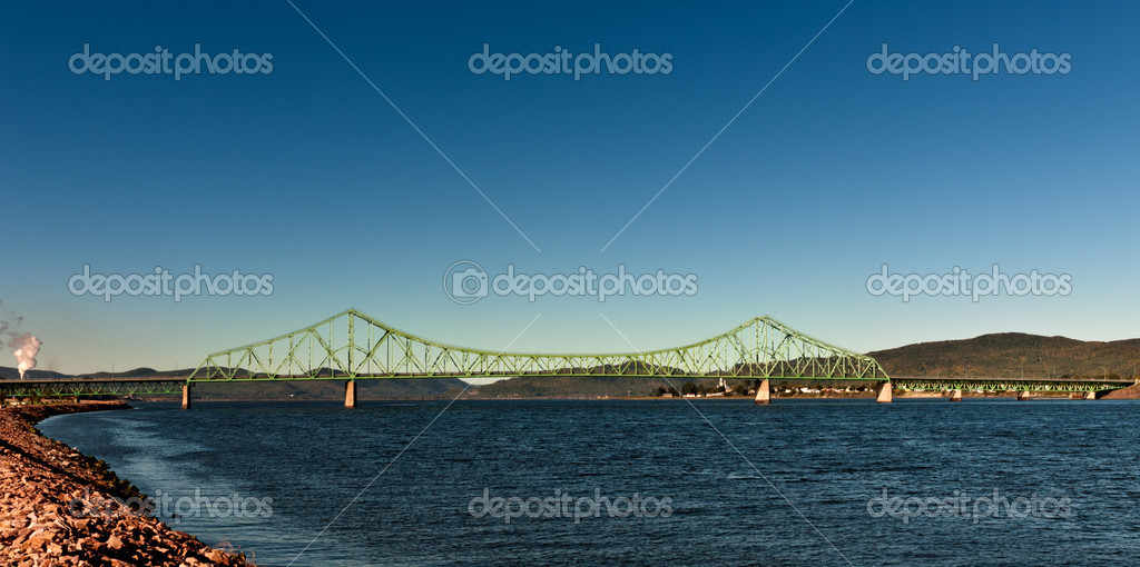 Bridge Pont Van Horne between Quebec and New Brunswick, in Canada — Stock Photo #14509961