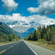 Stock Photo: Icefield parkway between Jasper and Banff