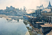 Pashupatinath temple and cremation ghats — Stock Photo