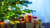 Christmas tree decorated with presents — Foto Stock
