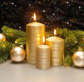 Üç Altın mumdrie gouden kaarsen — Stok fotoğraf