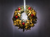 Advent wreath over silver grey background — Stock Photo