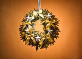 Advent wreath over beige background — 图库照片