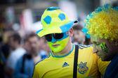 KIEV, UKRAINE - JUNE 10: Swedish fans have fun during UEFA Euro — Stock Photo