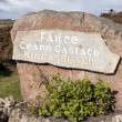 Village name sign on rock in Kincasslagh — Stock Photo
