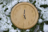 Clock face in the snow — Foto Stock