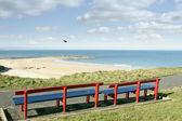 バリーバニオン ビーチと海岸の景色のベンチ — ストック写真