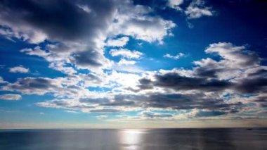 Gökyüzü bulutlu — Stok video