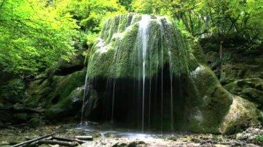 Clean waterfall water — Vídeo de stock