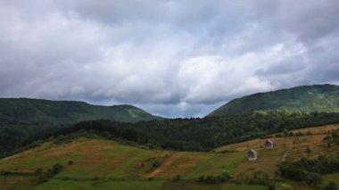 Hills under cloudy sky — Stock Video