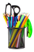 与剪刀、 铅笔和钢笔办公杯 — 图库照片