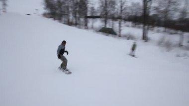 Snowboarders — Stockvideo