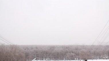 房子的屋顶覆盖着白雪,时间间隔 — 图库视频影像