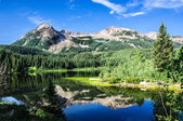 Colorado Lake and Mountains — Stock Photo