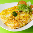 Omelet with rice and fish sauce spicy. — Стоковая фотография