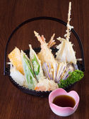 Japanese cuisine. tempura. Deep fried mix vegetable on the backg — Stock Photo