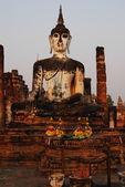 таиланд ориентир. древняя статуя будды. сукотаи исторический p — Стоковое фото