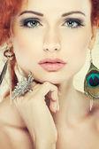 Cabelo vermelho. portrait.accessorys de menina de moda. — Foto Stock