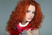 Es una foto hermosa chica en ropa de invierno — Foto de Stock