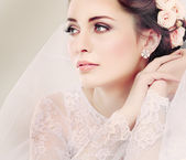 Portrait of beautiful bride. Wedding dress. Wedding decoration — Stock Photo