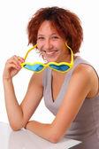 大きなサングラスと面白いの若い女の子 — ストック写真